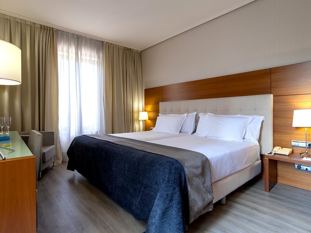 Hotel Silken Amara Plaza